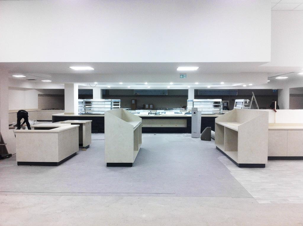 Arredo di self service: ospedale - Roma